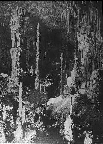 Cuevas del drach mallorca sala de los franceses geoimatge - Calizas mallorca ...