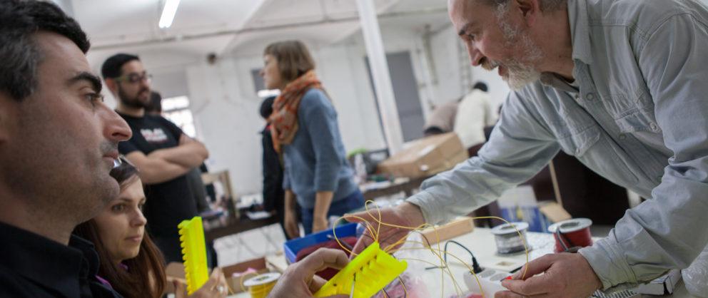 Cap a una pràctica multidisciplinària on art i participació ciutadana siguin part fonamental en la manera de fer ciència.