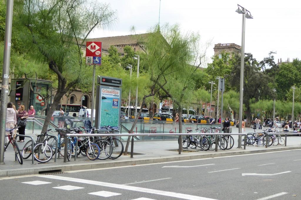 Parada metro Universitat