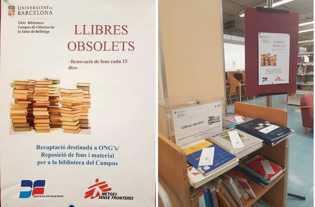 Carro de llibres obsolets al CRAI Biblioteca de Bellvitge