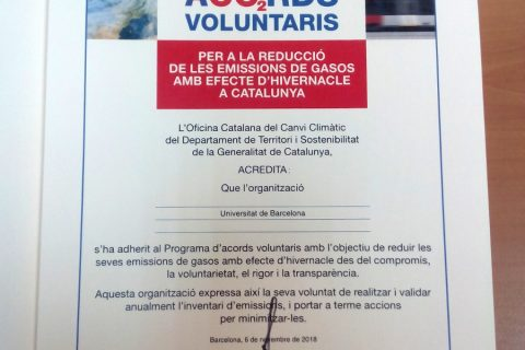 Diploma UB adhesio Acords Voluntaris reducció CO2