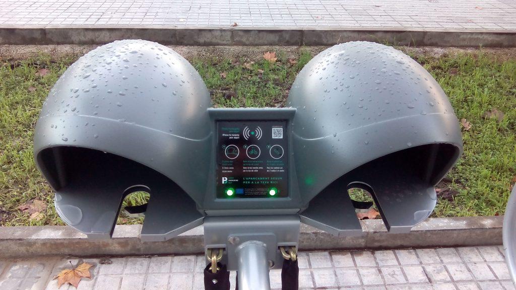 Detall aparcament Vadebike Física i Química UB