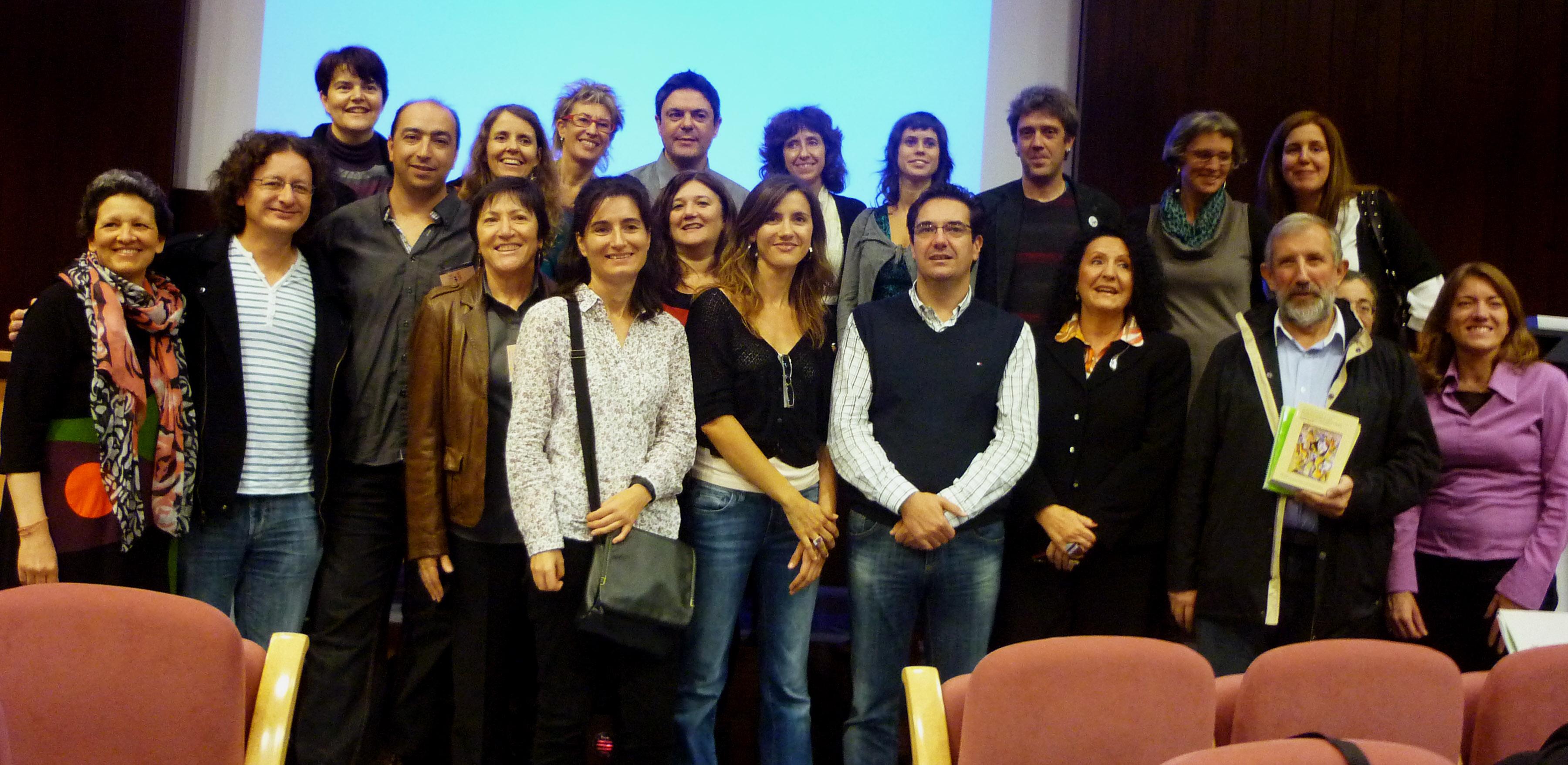 Varios de los promotores de la Red TIIFAMO presentes en el II Simposio. Trabajan para una investigación aplicada, multidisciplinar y de alto impacto social