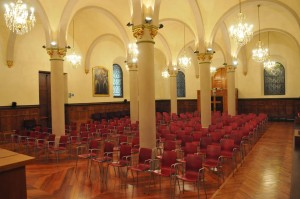 Vista general de la capilla hacia los pies