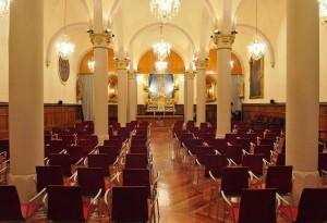 Vista general de la capilla hacia la cabecera