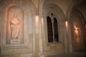 Escultures de Lluís Vives i Alfons X