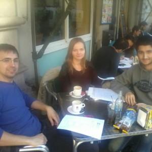 D'esquerra a dreta el Joan, la Katarzyna i el Jonathan