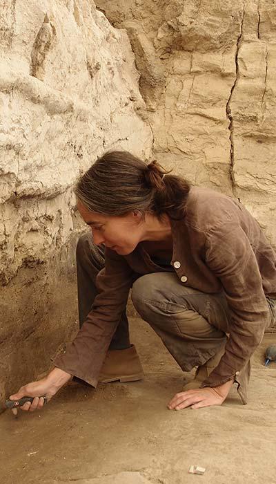 La arqueóloga Marta Portillo en una excavación en Çatalhöyük, Turquía