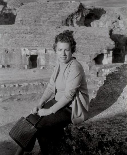 Maria Luisa Serra Belabre. Autor desconegut. Fons Ateneu de Maó. Pertanyent al Fons Mª Lluïsa Serra Belabre. Arxiu d'Imatge i So de Menorca-CIM