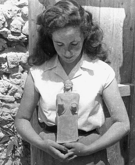 La arqueóloga Matilde Font Sariols © arxiu de Miquel Tarradell