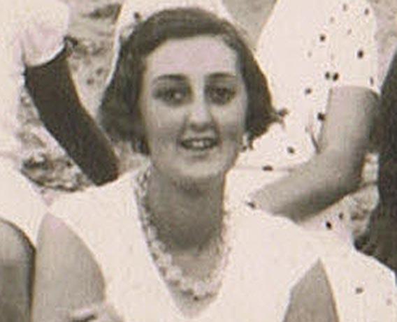 En Eleusis durante el Crucero por el Mediterráneo. 15 de julio de 1933. Col. Juan A. Gómez-Barrera / Legado Francisca Ruiz Pedroviejo de Celia Borobio