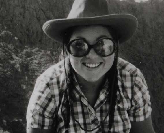 Bertila Galván en las excavaciones en Masca, Tenerife, en 1971 © Carmen del Arco Aguilar