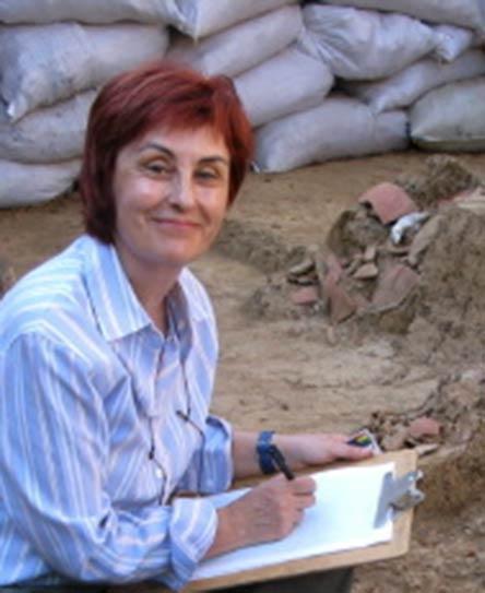 Mercedes Guinea Bueno en la necrópolis de El Caño (2009) @Julia Mayo Torné