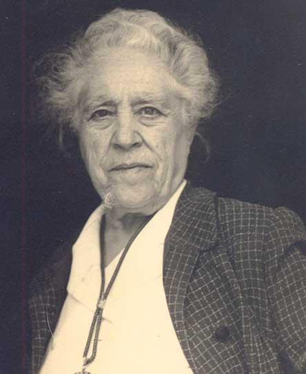 Caterina Albert i Paradís. Retrat Victor Català. Foto de Joan Lassús, Arxiu Municipal de l'Escala