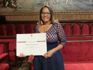 Milena Gómez Cedeño rep el premi extraordinari de doctorat de la UB. / GX