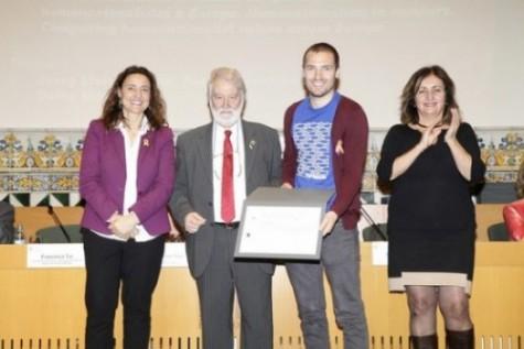 Leon Freude recibe el accésit del Premio de Joves Sociòlegs
