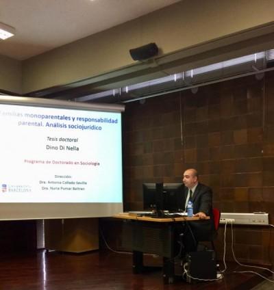 Dino Di Nella lee su tesis doctoral