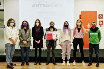 Donestech gana el premio 25N del Ayuntamiento de Barcelona con el proyecto Redes, libres y seguras!