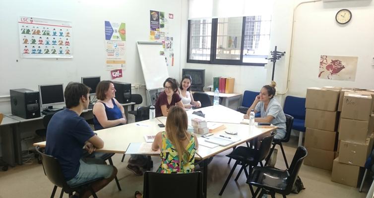 Convocades sis beques de col·laboració amb els Serveis Lingüístics