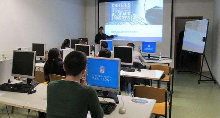 Serveis Lingüístics participa en sessions de formació per a alumnes de TFG, a la Facultat d'Economia i Empresa
