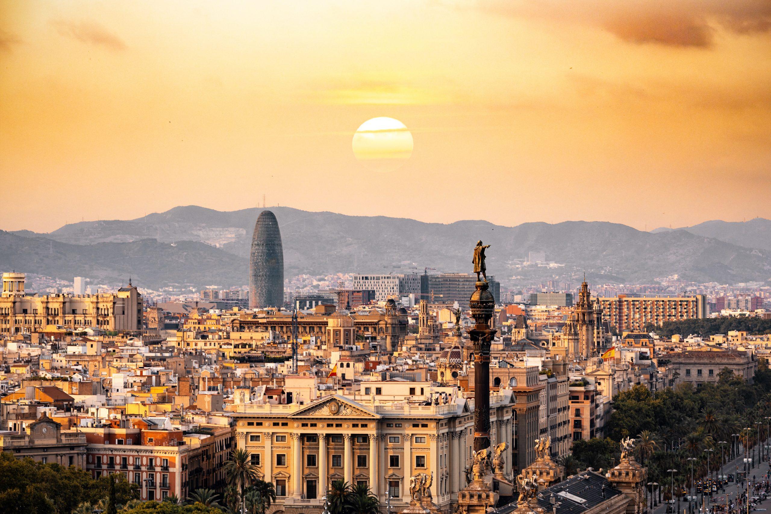 barcelona-buildings-city-1388030