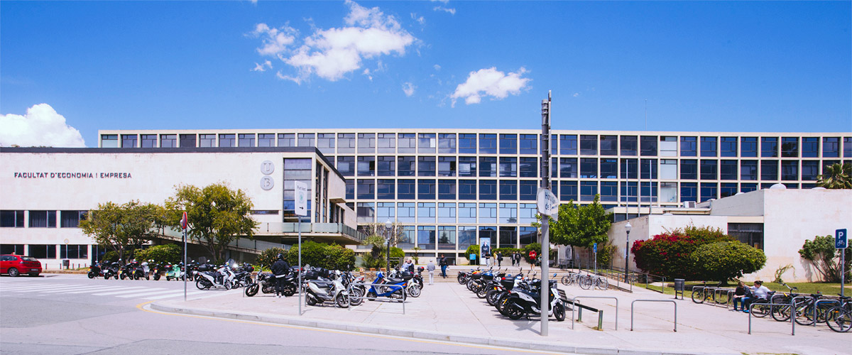 Research groups. Master in Institutions and Political Economy. Universitat de Barcelona.