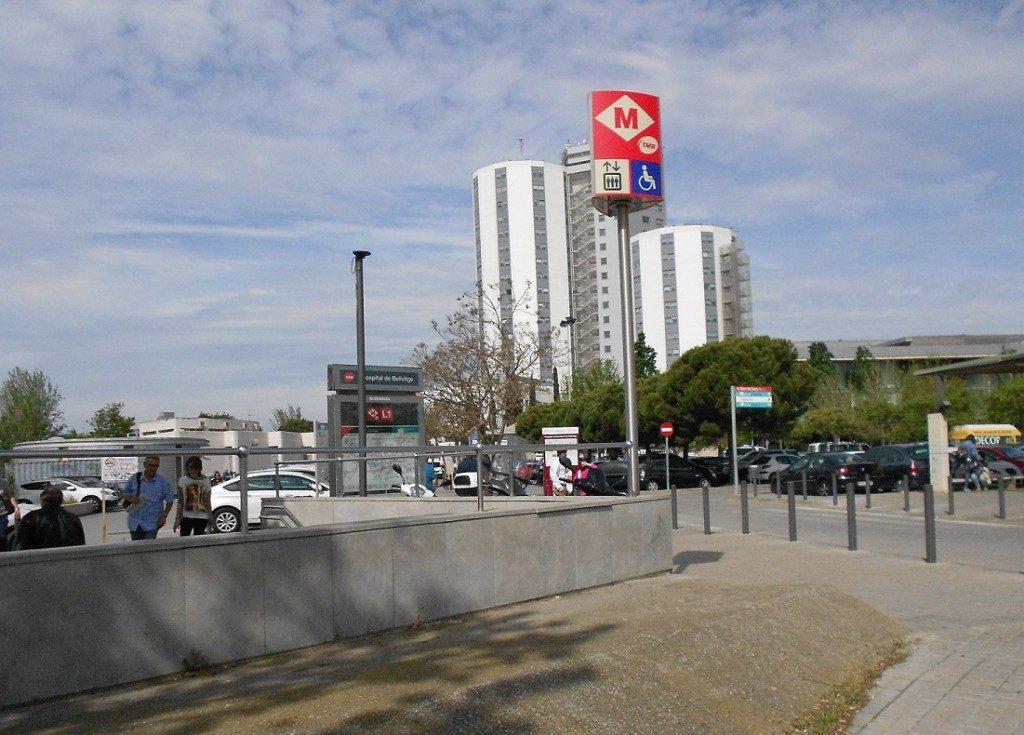 imatge que mostra la linia L1 amb la parada de metro Hospital de Bellvitge