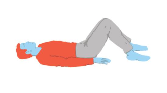 Persona estirada amb les cames elevades