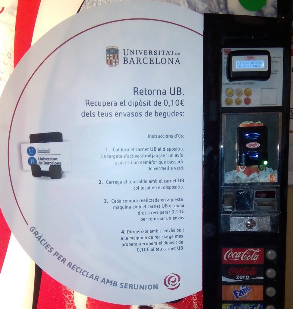 enganxina que explica que en els envasos que conte aquesta màquina es pot efectuar el sistema de retorn i que obtens 0,10€