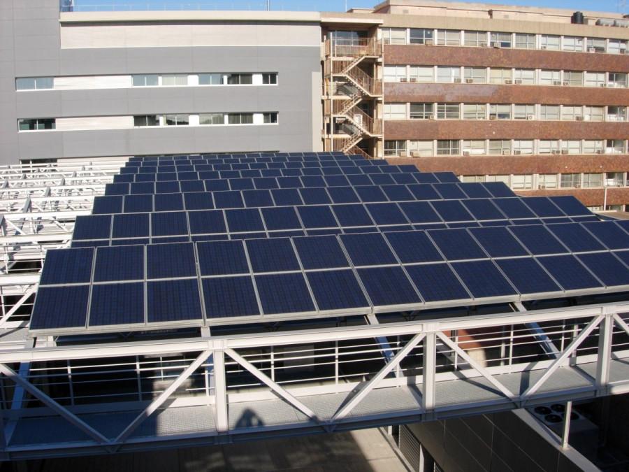 Instal·lacions de plaques fotovoltàiques de Atri Solar de les facultat de física i química de  la  UB