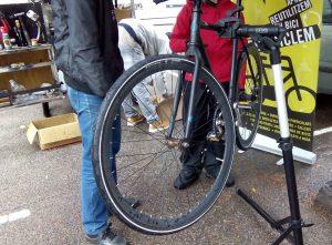 Manteniment de bicicleta a l'Edifici Històric