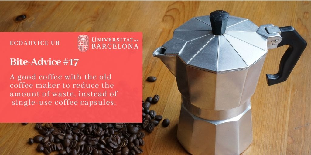 A good coffee with the old coffee maker to reduce the amount of waste, instead of single-use coffee capsules.