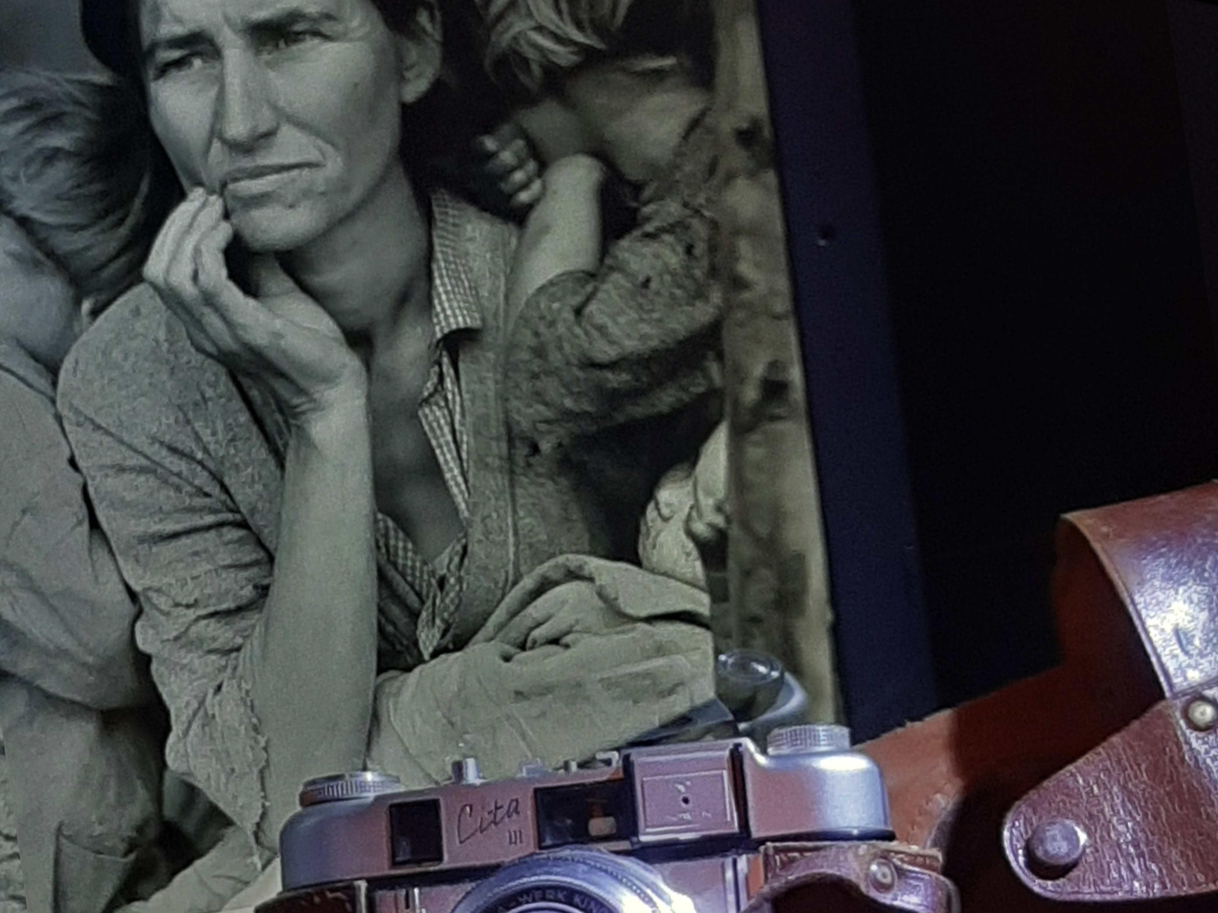 Dorothea Lange i càmera Leika