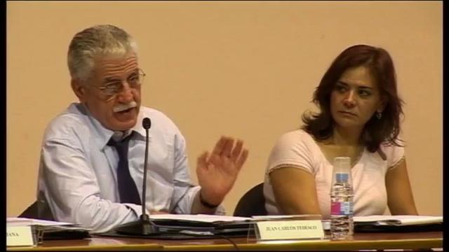 Mesa redonda: Modelos y políticas de formación permanente del profesorado en América Latina. Situación ...<br/>actual y perspectivas de futuro