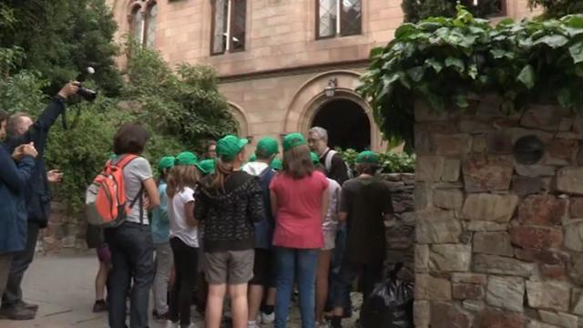 Escolars de primària visiten l'Edifici Històric de la UB en el marc de la Universitat dels Nens i les Nenes ...<br/>de Catalunya