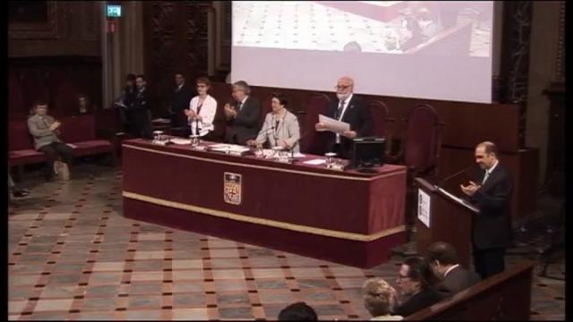 Lliurament dels títols de doctor 2010 per la UB, lliurament del XV Premi Claustre de Doctors i conferiment de ...<br/>la Medalla d'Or a la Fundació Vicente Ferrer