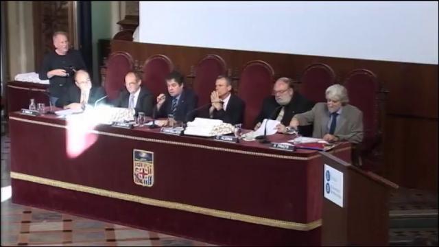 Acte del Jurament Hipocràtic de la Facultat de Medicina-Clínic. Promoció 2007-2013. Universitat de ...<br/>Barcelona