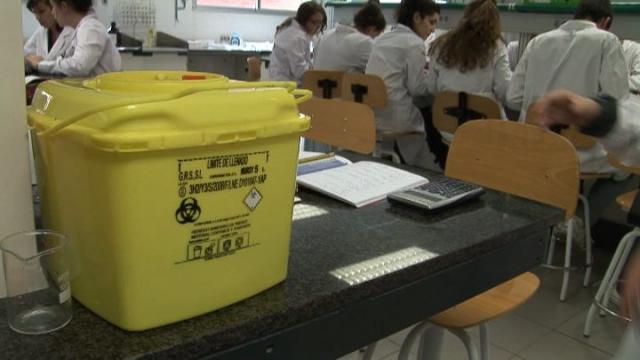 Calidad, seguridad y medio ambiente en los laboratorios docentes de la Facultad de Farmacia