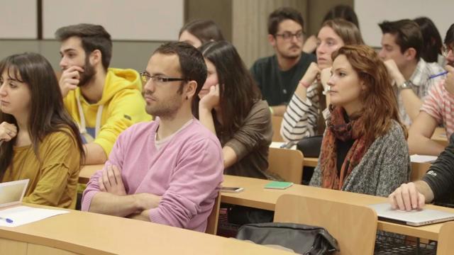 Compartir ideas: la universidad va al instituto