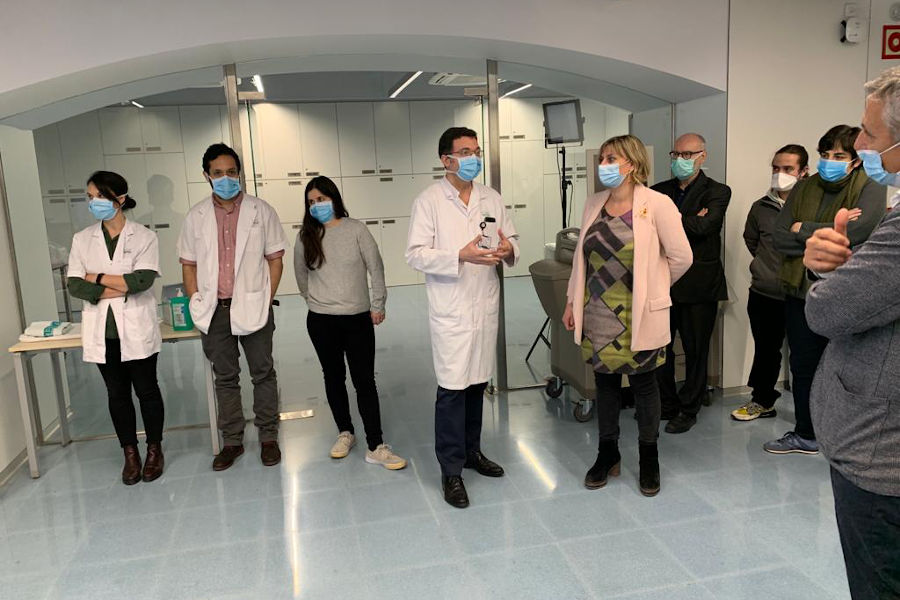 Minister of Health of the Catalan Government, Alba Vergés, visiting the Clinical Simulation Laboratory.