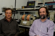 The UB professors Antoni Planes and Lluís Mañosa have led the research.
