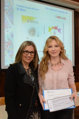From left to right, the Vice-Rector Alba Ambròs and the student of Industrial Relations Maria Nikolaenko, winner of the contest.