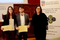 The members of La Vella Guàrdia, Irene Tapial and Gonzalo Fernández, with the vice-rector of Students and Language Policy, Mercè Puig.- La Vella Guàrdia team wins the 12th UB Internal League of Debate
