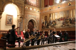 The Big Band of the University of Barcelona will perform on May 10.