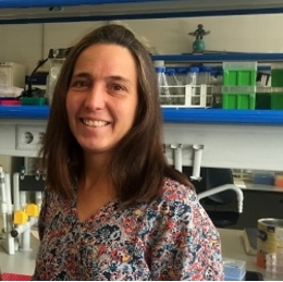 Researcher Raquel Rabionet, at the Faculty of Biology of the University of Barcelona.